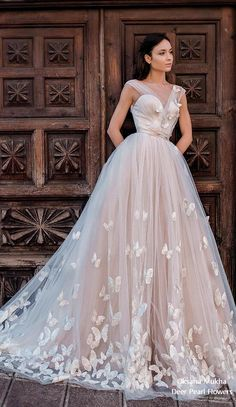 Sexy Deep V-neck Champagne Wedding Dresses with Butterfly Backless Puffy Princess Bridal Gown 2019 New Robe de Mariage Prom Dresses Long With Sleeves, Prom Dresses With Sleeves, A Line Prom Dresses, Bridal Dresses, Gorgeous Wedding Dress, Beautiful Gowns, Sexy Evening Dress, Evening Dresses, Backless Wedding