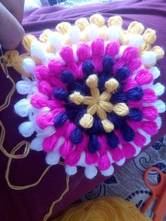 This Pin was discovered by gül Knitting Blogs, Knitting Designs, Knitting Socks, Baby Knitting, Knitted Booties, Knitted Coat, Knitted Gloves, Crochet Cowel, Crochet Stitches