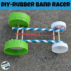 rubber band car made from RUBBER BAND, LIDS, STRAWS & TOOTHPICKS! THATS IT. Make this stem project with kids demonstrating engineering and physics.