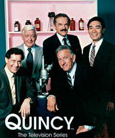Quincy - Antecesor de CSI, de pequeña me encantaba ver esta serie con Papi y Mami