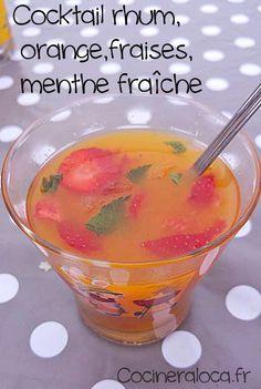 Cocktail rhum orange fraise menthe ©cocineraloca.fr | La cocinera loca Experiment, Jus D'orange, Cocktail Drinks, Mojito, Sangria, Punch Bowls, Buffet, Beverages, Smoothie