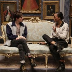 Aisha Tyler chats with Reeve Carney on set - Penny Dreadful