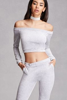 Forever 21 is the authority on fashion & the go-to retailer for the latest trends, styles & the hottest deals. Shop dresses, tops, tees, leggings & more! Crushed Velvet Top, Velvet Tops, Velvet Fashion, Latest Trends, Forever 21, Cute Outfits, 21st, Crop Tops, Clothes For Women