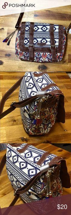 BRAND NEW Unionbay Crossbody Purse Brand New UNIONBAY Bags Crossbody Bags