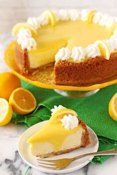 The best I& ever eaten! With its crispy yummy base, silky and smooth cheesecake texture, light or slightly lemon sauce . Lemon Cheesecake, Brownie Cheesecake, Pasta Cake, Food Picks, Recipe Mix, Mini Cheesecakes, Polish Recipes, Turkish Recipes, No Bake Cake