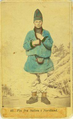 Mannsdrakt, samedrakt, Salten. Fotograf Marcus Selmer (1819-1900), Bergen.