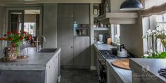 Beautiful kitchen painted with Fresco lime paint from Pure & Original, protected with Eco Sealer