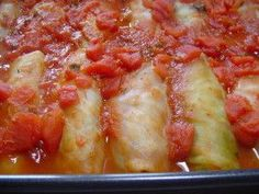 Easy Cabbage Rolls. Photo by CountryLady: 1 medium cabbage FILLING 1 lb ground beef 2 teaspoons chopped onions 1 teaspoon salt 1 beaten egg 1/2 cup milk 1/2 cup cooked rice SAUCE 1 (14 ounce) can tomatoes 1 (14 ounce) can V8 vegetable juice 1 tablespoon Worcestershire sauce