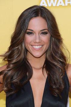 I love Jana Kramer and her hair!!!
