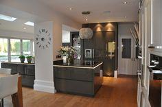 Diane Berry Kitchens - Client Kitchens: Mr & Mrs Smallwood - Alno Kitchen in Quartz grey gloss lacquer