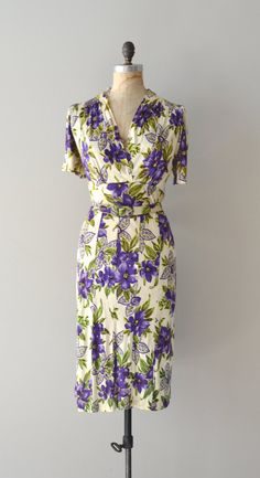 1940s rayon dress: YES to the pattern and design... like the colors and form-fitting long cut; no to the patchy assembly... handiwork disrupts flow -- bummer.