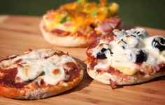 Grilled Mini Pizzas... english muffins, pizza sauce, cheese, toppings... place aluminum foil on grill... cook mini pizzas until cheese is melted & starts to brown.