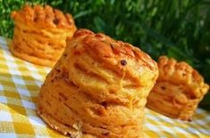 Csörögefánk Baked Potato, Potatoes, Bread, Baking, Ethnic Recipes, Food, Patisserie, Potato, Breads