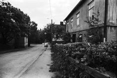 Puutaloja Länsi-Pasilassa Kyllikinkadulla. 1970