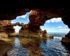 Las grutas en la costa de Javea, Alicante