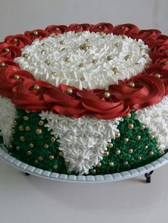 Ideas Holiday Baking Challenge Dessert Recipes For 2019 Christmas Cake Designs, Christmas Tree Cake, Christmas Cake Decorations, Christmas Sweets, Holiday Cakes, Christmas Cooking, Christmas Goodies, Cake Decorating Designs, Cake Decorating Videos
