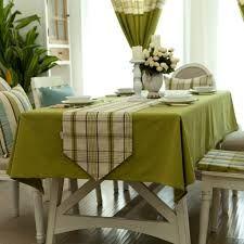 Manteles con mucho color para decorar la mesa un tables for Manteles para mesas redondas