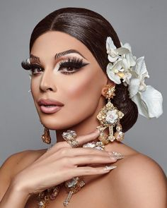 Valentina from RuPaul's Drag Race Valentina Rupaul Drag Race, Valentina Drag, Drag Queen Make-up, Rupaul Drag Queen, Male Makeup, Beauty Makeup, Makeup Inspo, Makeup Inspiration, Best Drag Queens