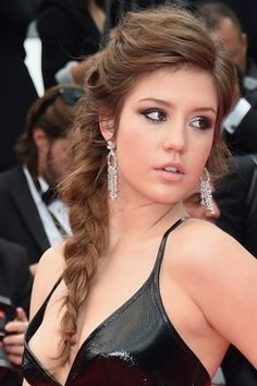 Most Beautiful Hollywood Actress, Beautiful Actresses, Decent Hairstyle, Adele Exarchopoulos, Asian Model Girl, Side Hairstyles, French Beauty, French Actress, Sexy Teens