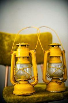 yellow lattern. color. colour. желтый. желтый цвет