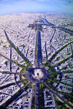 Arc de Triomphe & Champs Élyssées from the air