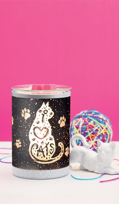 A little spoiler alert!! If you love cats you're going to love this warmer! One of the great things about it is that it's animal friendly! Www.cindycurtis.scentsy.us