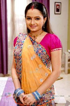 Giaa Manek as Gopi from Saath Nibhana Saathiya