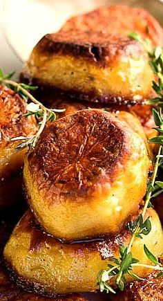Potatoes -creamy on the inside yet crispy on the outside.Melting Potatoes -creamy on the inside yet crispy on the outside. Side Dish Recipes, Vegetable Recipes, Vegetarian Recipes, Cooking Recipes, Healthy Recipes, Vegetarian Lunch, Fast Recipes, Protein Recipes, Healthy Sweets