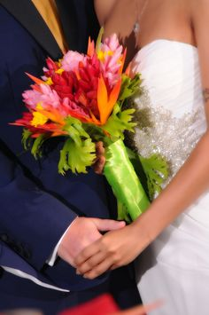 Her flowers look so fresh and tropical! Great for a destination wedding!