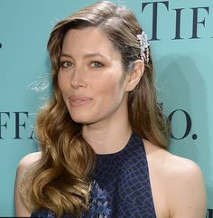 Jessica Biel Hollywood waves and Gatsby Hair Accessory