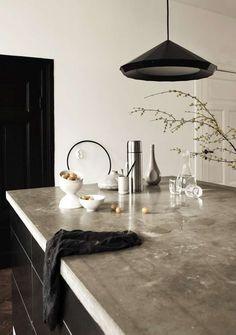 Industriele keuken met betonnen aanrechtblad