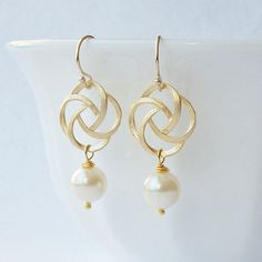 Pearl Gold Knot Dangle Earrings by PeriniDesigns on Etsy  19.00