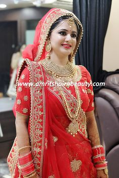 One of the Best Bridal Makeup in Udaipur and try to provide best Bridal Makeover Studio in Udaipur to its Clients. Amrits Hair n Beauty also helps you to look best for your best time. Indian Bridal Photos, Indian Bridal Outfits, Indian Bridal Fashion, Indian Bridal Wear, Bridal Dresses, Designer Bridal Lehenga, Indian Bridal Lehenga, Indian Beauty Saree, Indian Wedding Couple Photography