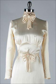 ~1stdibs | Vintage 1930's Ivory Silk Satin Wedding Dress~  #1930s  #fashion  #wedding