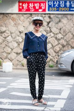 patterned baggy pants