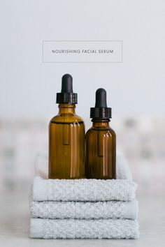DIY Cleansing Oil & Nourishing Facial Serum - the best and most natural way to care for your skin! Diy Cleansing Oil, Facial Cleansing, Coconut Oil For Skin, Organic Coconut Oil, Facial Oil, Facial Skin Care, Diy Facial Serum, Facial Masks, Organic Skin Care