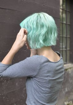 Wavy mint bob - Really want to color my hair a crazy color!