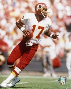 Doug Williams, QB - Washington Redskins - Williams was the black QB to play in a Super Bowl, and remains the only one to win one. Nfl Redskins, Football Team, Doug Williams, Nfl Detroit Lions, Football Conference, Rosa Parks, Sports Figures, Sports Photos, National Football League