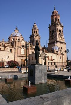 """Plaza in the center of the capital of the state if """"Michoacan de Ocampo""""  MEXICO.    (by Quokant, via Flickr)"""