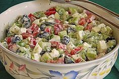 Gurken – Oliven – Salat mit Schafkäse Cucumbers – Olives – Salad with sheep's cheese Chef Salad Recipes, Healthy Salad Recipes, Cheese Recipes, Healthy Snacks, Cucumber Recipes, Sheep Cheese, Olive Salad, Greek Recipes, Feta