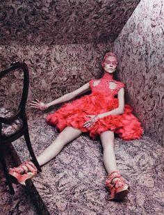 Vogue Paris.  Photographer: David Sims  Model: Kati Nescher.