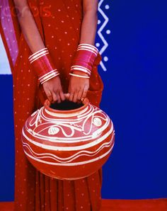 From India ~ Red and Blue Perfection India Colors, Colours, Red Hat Society, Red Hats, Shades Of Red, Red White Blue, Colorful Fashion, My Favorite Color, The Incredibles