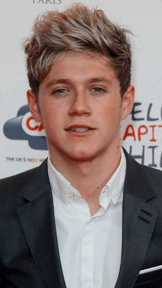 Niall Horan Wallpaper - Niall Horan niall horan wallpaper \ niall horan - niall horan aesthetic - n Niall Horan 2013, Niall Horam, Niall Horan Funny, Niall Horan Imagines, Niall Horan Baby, Niall And Harry, Niall Horan Photoshoot, Niall Horan Lyrics, Niall Horan Facts