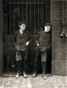 May 1910. St. Louis, Mo. Two boys working in Inland Type Foundry, 12th & Locust.