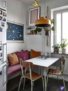 #Apartment #Cozy #Home #RETRO #Stockholm #Textures #Vintage Vintage furniture and cozy textures in a Stockholm apartment<br> Retro Apartment, Stockholm Apartment, Vintage Apartment Decor, Cozy Apartment Decor, 70s Decor, Apartment Kitchen, The Apartment, Apartment Interior, Vintage Home Decor