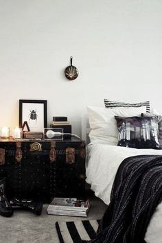 LOVE The Old Trunk As A Bed Side Table.great Use For Our Trunk In A Guest  Room