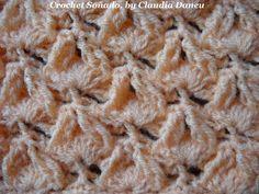 "Can you guess the ""invisible"" cables, crocheted on the non more visible crochet fans? ¿Puedes adivinar los ochos ""invisibles"", tejidos sobre los no más visib..."