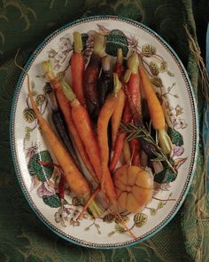 Honey-Glazed Carrots with Garlic | Whole Living