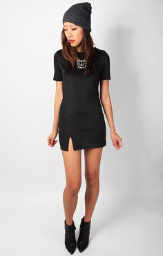 BACKORDER BODYCON MINI DRESS WITH SLIT - BLACK | THESCARLETROOM