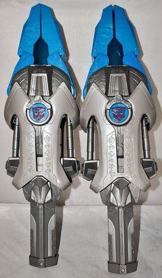 2 Hasbro Transformers Dark Of The Moon Autobot Robot Heroes Energon Shock Swords